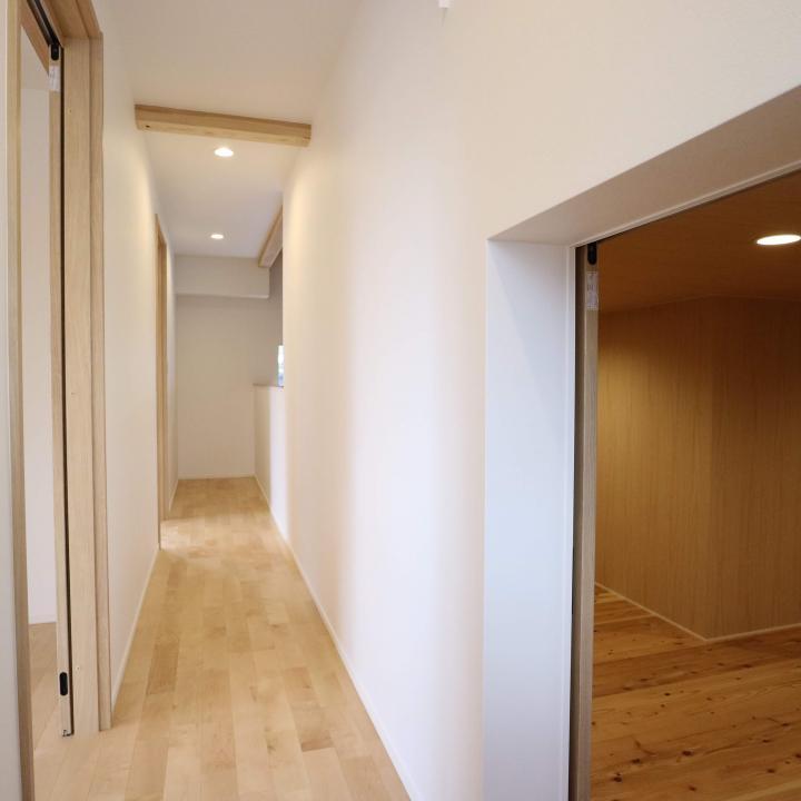 2階廊下・小屋裏収納