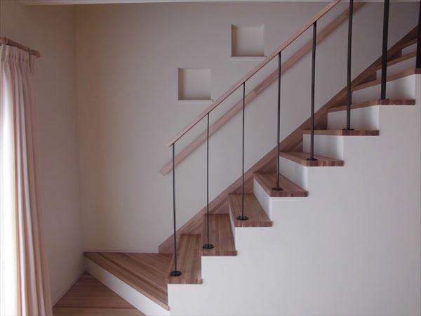 頭を悩ませる階段の位置。皆さんの考えは?
